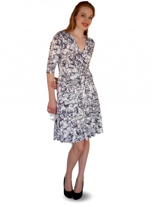 Mønstret kjole med tasker fra Dot & Doodle's