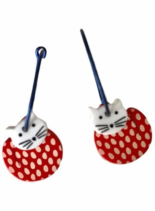 Øreringe rød kat med hvide prikker