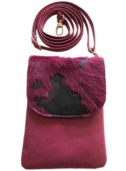 Mobil-taske cherise m. pels, Skagen fra Cosy Style
