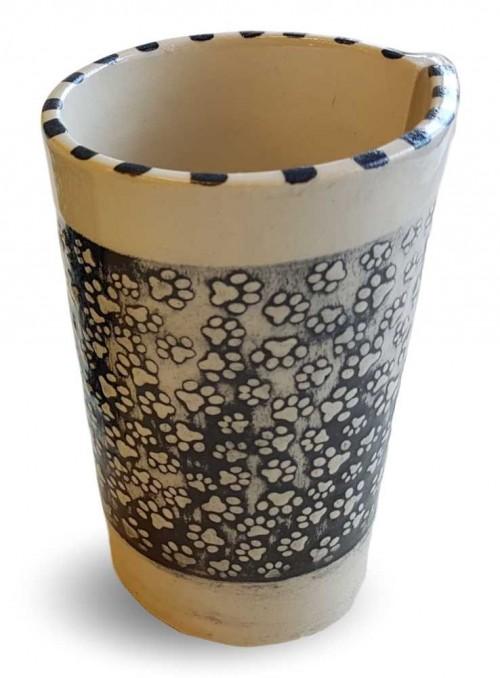 Krus af keramik med pote-mønster