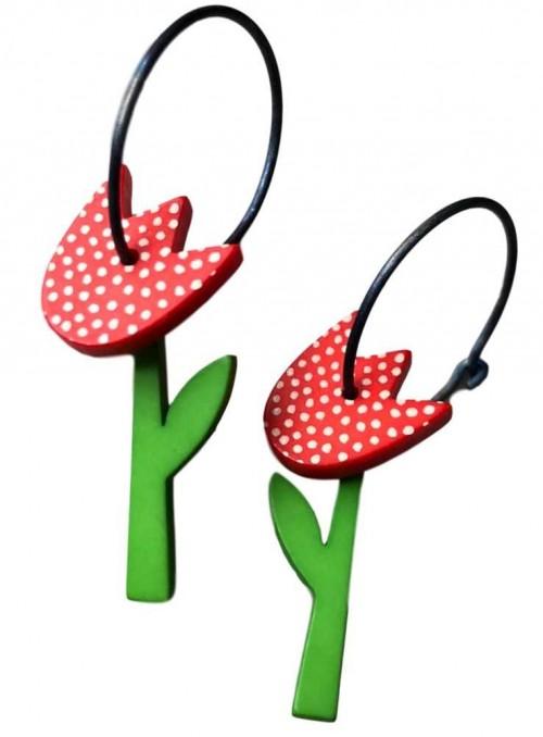 Øreringe rød tulipan med prikker