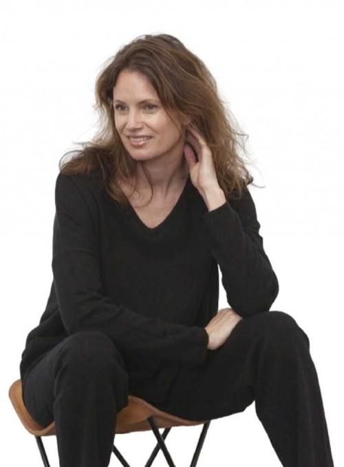 Strik sweater fra Gorridsen Design model Stella V-neck Black