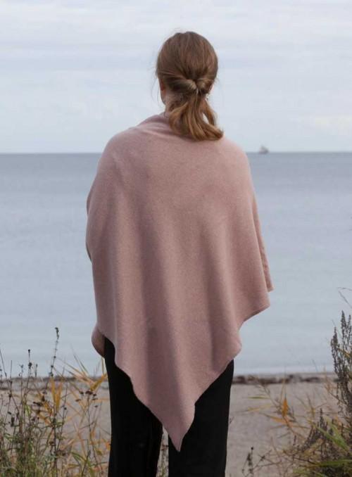 Strikket Poncho fra Gorridsen Design Minerva Seashell